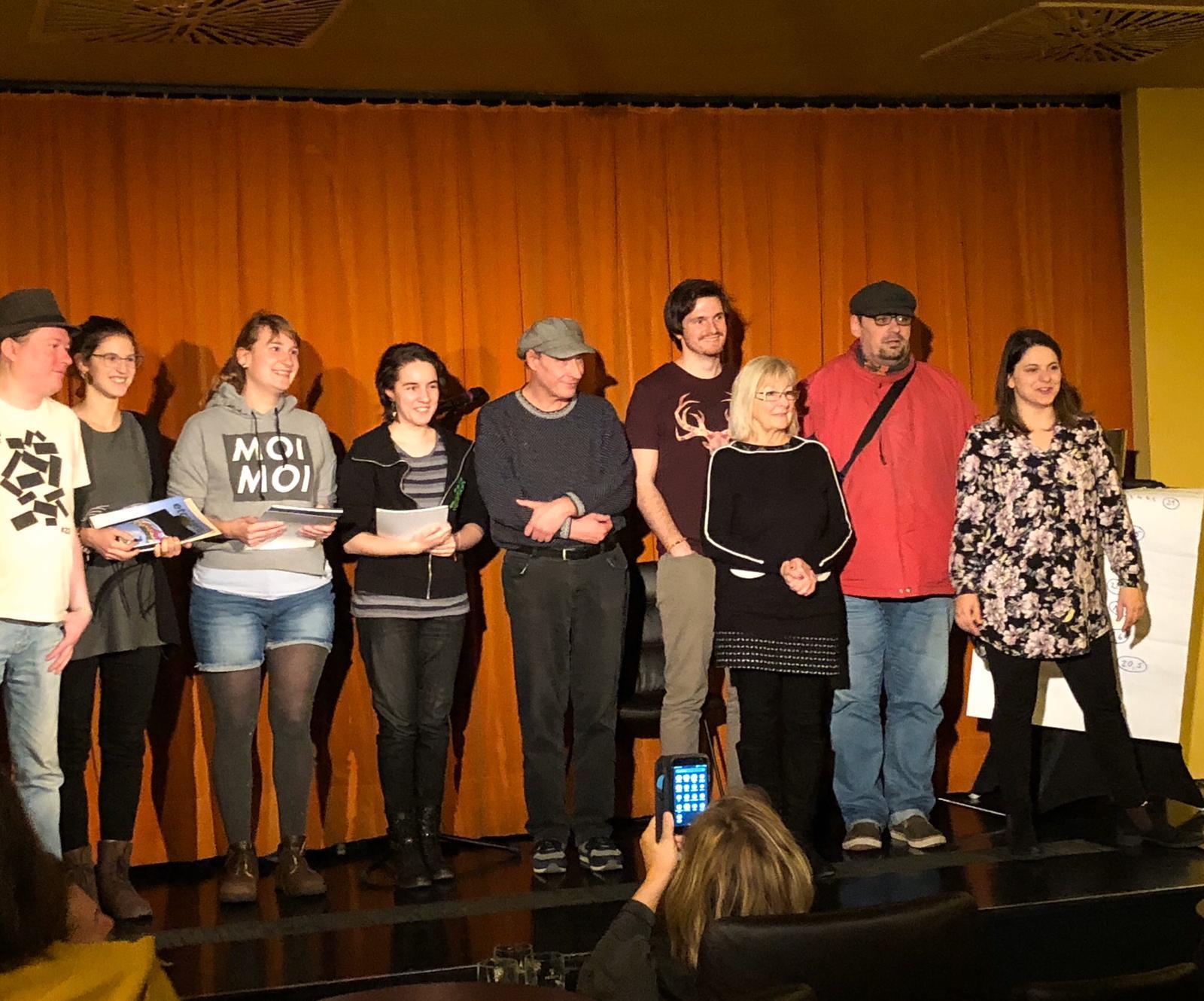 v. links n. rechts: Andi Pianka. Tina Cakara, Nicola Jünger, Sarah Buchinger, drei weitere Teilnehmer, Eva Riebler und Marlies Eder